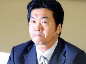 「1000%復帰なんかせえへんから!」 島田紳助(58)引退後3年ぶりに人前に … 歌手・RYOEI(33)のコンサートにサプライズ登場、ややふっくらしたが体型は変わっていない様子