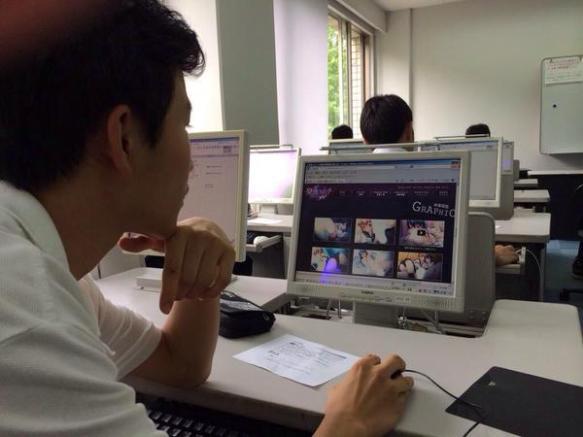 【画像】授業中にエロゲの公式HP見た結果wwwwww