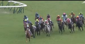 【競馬】 やはり今年の天皇賞春の馬場は湿っていた? 田辺騎手「晴天が続いていたにもかかわらず馬場が湿っていた」