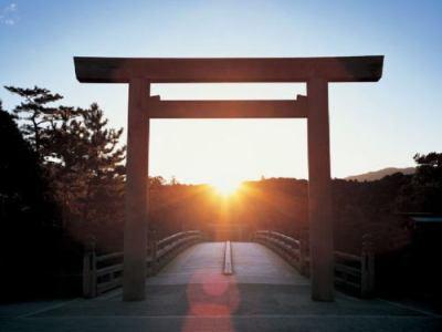 伊勢神宮について、外国人観光客の感想「平均的な外国人観光客はわざわざ来る必要はない」「物凄く混んでいた」「ここが『日本で一番重要な神社』であることに驚いた」