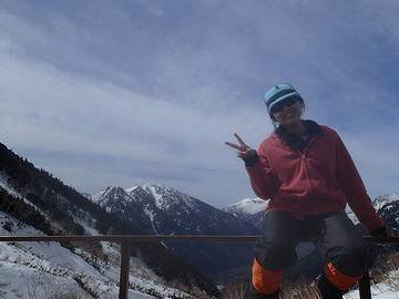 八ケ岳連峰・阿弥陀岳で学習院大山岳部の22歳男性と19歳女性が遭難 … 8日に山岳部5人で下山中、道に迷いビバーク → 翌朝1人が動けなくなり、3人がキャンプに戻り救助を要請