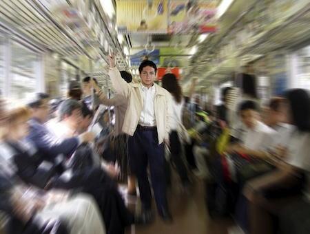 「もはや常磐線名物?」 電車内でペースメーカー装着者とスマホ利用者の争いが日常化、スマホ利用者に罵声を浴びせたり叩いたり非常ボタン押したりする騒動、ダイヤ乱れ相次ぐ