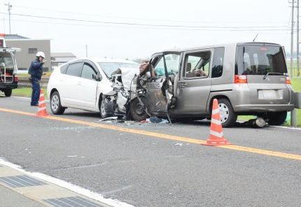 """国道の対向車線から居眠り運転でセンターラインを越え一方的に衝突された""""もらい事故""""、「クラクションとか鳴らしてないから追突された側にも責任」4000万円余りの賠償命令 - 福井地裁"""