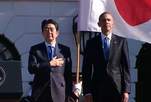 """安倍首相、オバマ大統領との首脳会談に先立ち歓迎式典に臨む … 式典後、日米首脳が共同会見「同盟の絆がいっそう深まった」、注目の""""70年談話""""は今夜"""