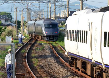 特急電車同士があわや正面衝突、93m手前で緊急停止 … JR長崎線・肥前竜王駅で特急列車が停止していた線路に、下りの特急列車が向かい合わせに進入