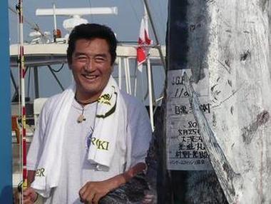 俳優・松方弘樹(72)、石垣島周辺で自己最高記録の361kg特大マグロを釣り上げる (画像) … 約6時間半不眠不休でファイト、落札価格にも注目が集まる