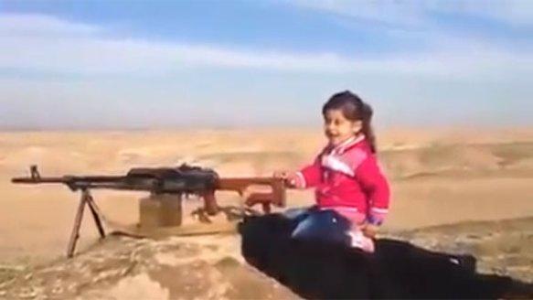 【動画あり】ISISを400人殺害した『6歳の少女』の映像がYoutubeにアップされる・・・・・・