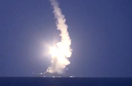 ロシア海軍カスピ海艦隊、1500km離れたシリアISISの11ヶ所の拠点に向け巡航ミサイル26発を発射(動画) … ロシアの対テロ作戦は新たな段階に、露国防省「民間人の死傷者はいない」