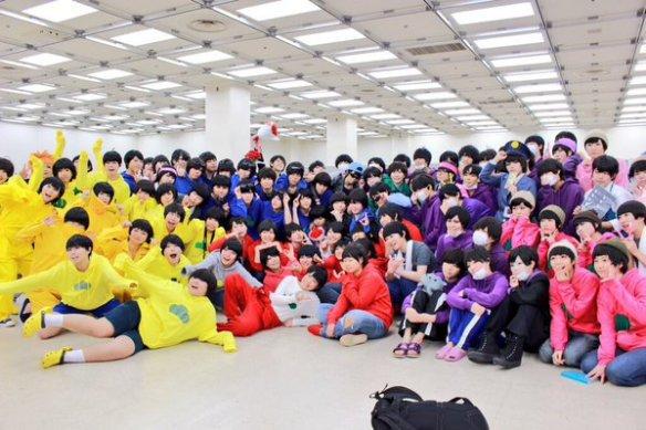 【悲報】おそ松女子のオフ会集合写真が流出wwww