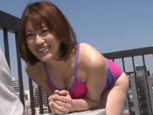 (えろムービー) 「暑い」と家の中でスイムスーツになる美巨乳な若い叔母にモンモン★