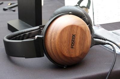 【ポタ研】フォステクスからTH610が登場。木のハウジング、ケーブル脱着可能。今年春~夏発売予定