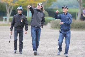 【競馬】 ルメール騎手が普通に通訳を付けてる件