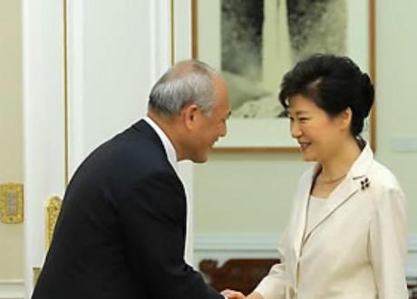 都内に韓国人学校を新設する発端となった舛添氏の韓国出張、接待を受けながらも2泊3日で1000万円 … 「舛添は朴槿恵に会えて舞い上がり、その時の口約束で後戻りできなくなったのでは」