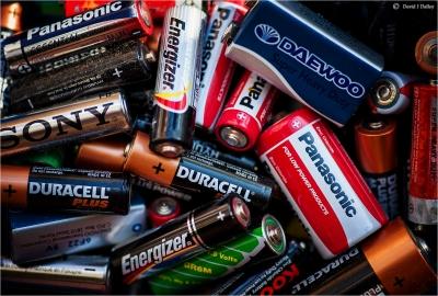 音質に定評のあるリチウムイオンバッテリーを世界で初めて実用化したソニー→そのバッテリー事業を村田製作所に売却