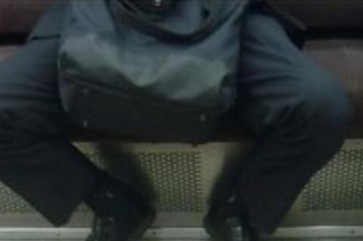 男子高校生のつま先蹴って暴行容疑 「席詰めろ」と言った元和歌山県職員を逮捕