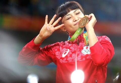 政府が女子レスリング伊調馨選手(32)選手に国民栄誉賞を授与する意向を固める