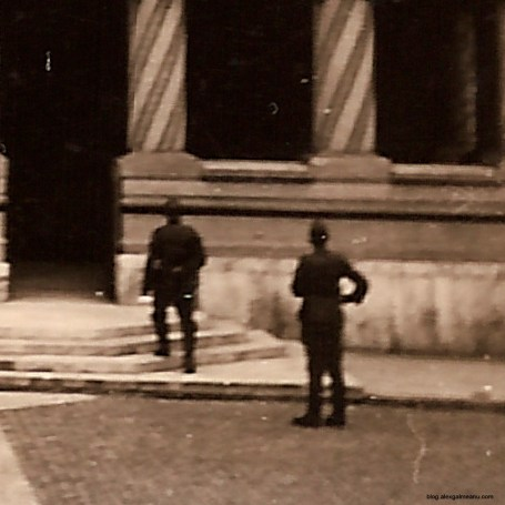 Detaliu - Miltari germani vizitand Patriarhia.