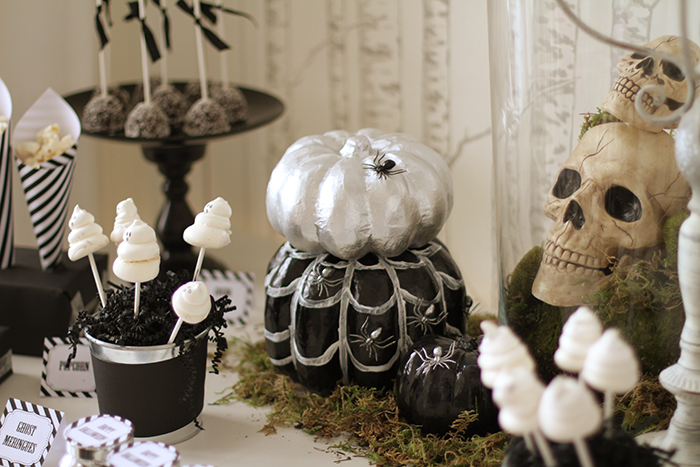 table decorations Halloweekend Countdown: Eat Drink & Be Spooky