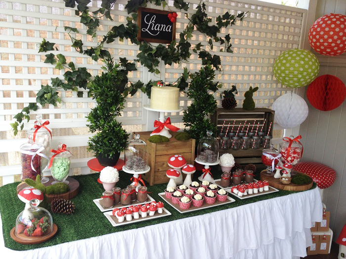 woodland party 054 Woodland Themed Guest Dessert Table