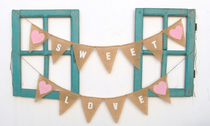 Sweet Love bunting Around The Atlas: Israel
