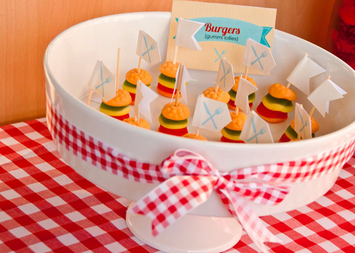 gummi burgers1 Barbecue Bonanza Guest Dessert Feature {July 4th}