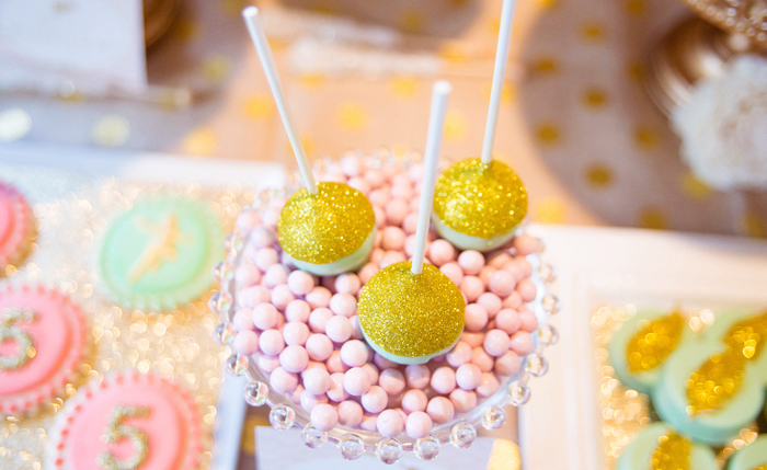 Gold Dusted Cake Pops1 Pretty Peter Pan Guest Dessert Feature
