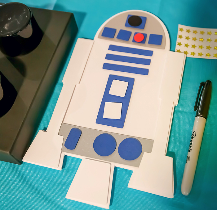 R2D2 Legos And Lightsabers Party: Part II