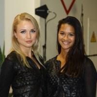 Les plus belles hôtesses du Mondial Automobile 2012