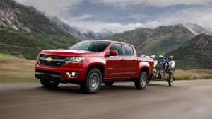 2015 chevy colorado picture towing