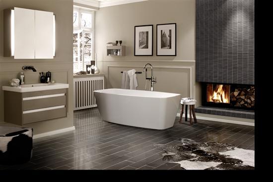 Vasca freestanding compra online la tua vasca da bagno for Costruisci la tua stanza online