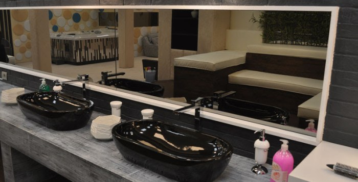 Galassia arreda il grande fratello bagno italiano blog - Spiata nel bagno ...