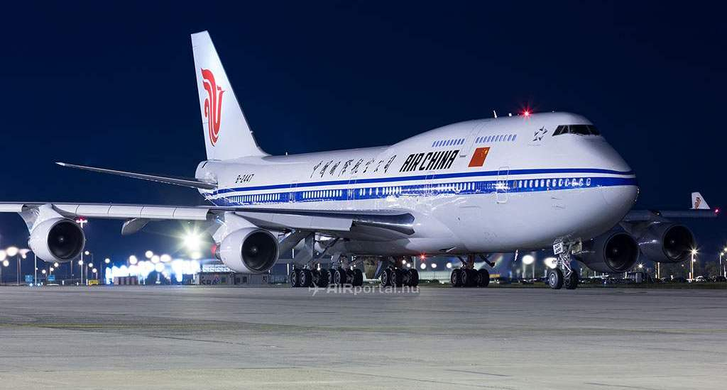 34907-air-china-b744-bud.jpg.pagespeed.ce._I9On2F1I5