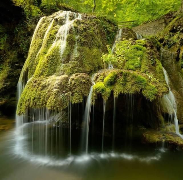 Romania, Cascada Bigar; sursa foto - Turism in Anina