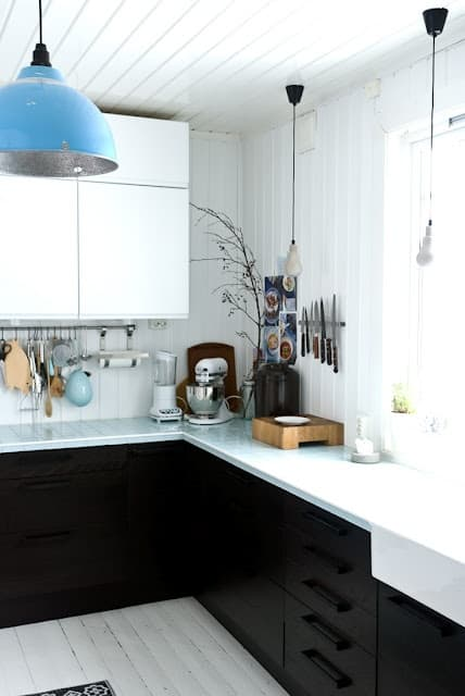 Camouflaged kitchen hardware