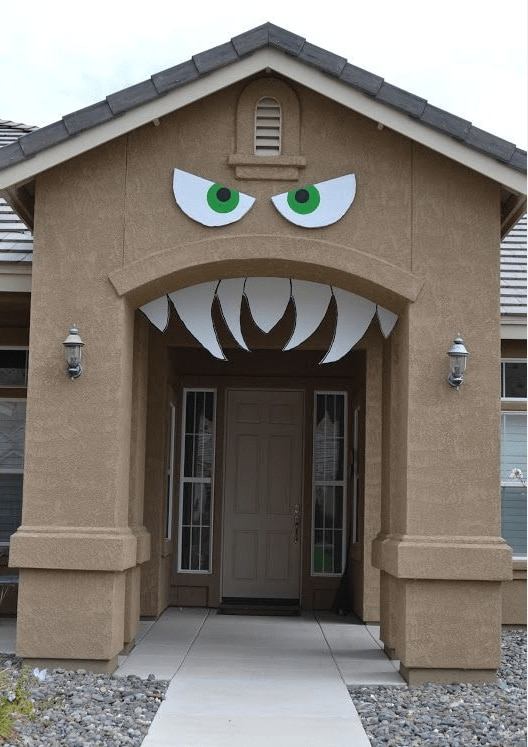 monster face - doorway