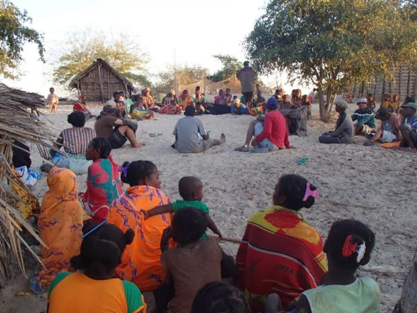 Meeting between the three villages to discuss the mangrove reserve closure and its rules