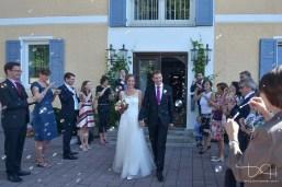 Foto Ideen für den Auszug aus dem Standesamt am Tegernsee von Ihrem Hochzeitsfotografen