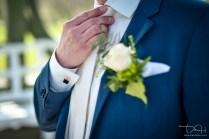 Verspielte Detailbilder macht der Hochzeitsfotograf.