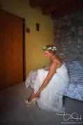 Ist die Braut schon fertig? Euer Hochzeitsfotograf haelt das getting ready fuer euch fest. Der Hochzeitsfotograf in Itlien am Gardasee.