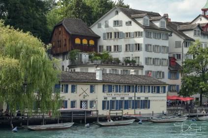 Der Hochzeits Fotograf aus Nuernberg in der schoenen Schweiz.