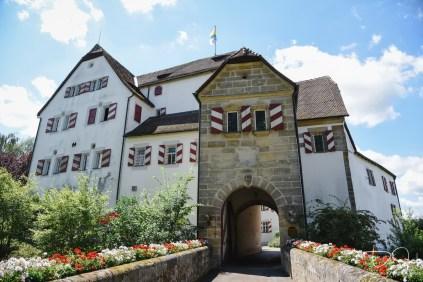 Der Hochzeitsfotograf im Schloss Henfenfeld, das Pfinzingschloss