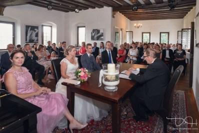 Trauung im Pfinzingschloss. Der Hochzeitsfotograf macht die Reportage.