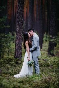 Hochzeitsfotograf aus Nuernberg faengt die Liebe auf Bildern ein. Der Hochzeitsfotograf in Schwanstetten.