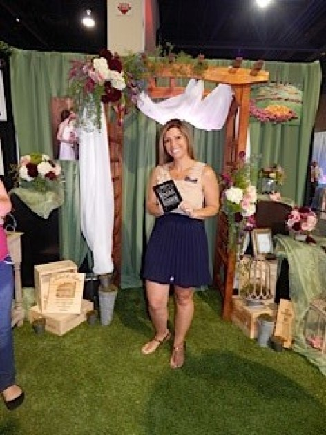 Flora Couture by Floral 2000 Dazzle Award Winner at August Bridal Spectacular Show