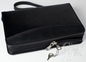Lockable YKK zipper with two keys.