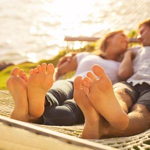 How To: Beach-Ready Feet