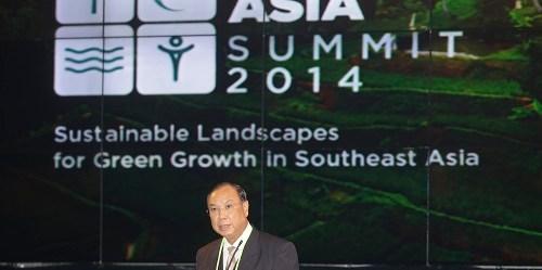 Menteri Konservasi Lingkungan dan Kehutanan Myanmar U Win Tun menyampaikan pidatonyapada acara Forests Asia Summit 2014 di Hotel ShangriLa Jakarta, Indonesia, Senin 5 Mei 2014. (CIFOR)