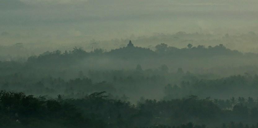 Peraturan daerah istimewa bisa menjembatani kepentingan masyarakat  dan pemerintah Daerah Istimewa Yogyakarta.