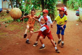 A diet rich in micronutrients is key for children's health and growth. Yayan Indriatmoko/CIFOR