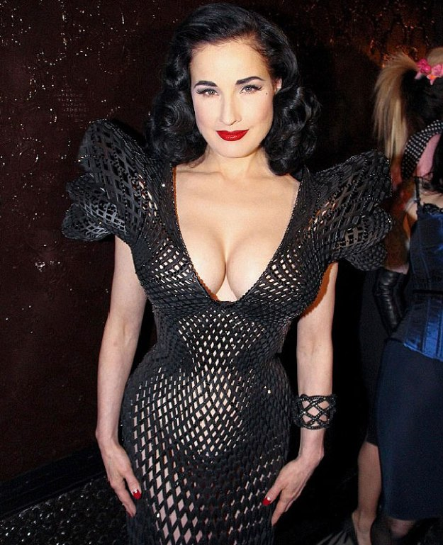 dita-von-teese-3d-dress-9